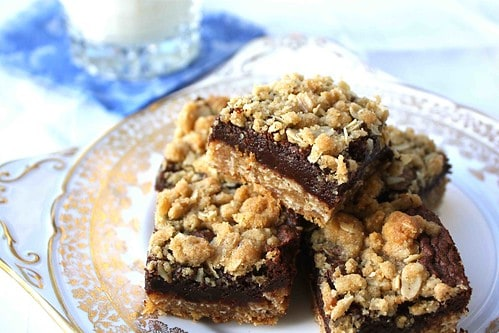 Oatmeal & Chocolate Fudge Layer Bars Recipe