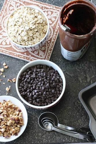 Chewy Nutella & Oatmeal Bar Recipe   cookincanuck.com #dessert