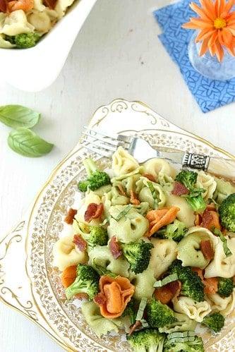 Tortellini-Pasta-Salad-with-Bacon-Broccoli-&-Basil-Recipe