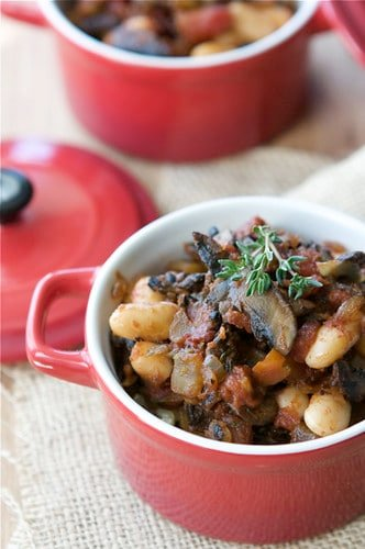 Serve this vegetarian mushroom and bean ragout over rice or quinoa for a hearty meatless meal. It's a great make-ahead option for busy weeks. #vegetarian #vegan #healthyeating