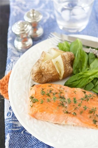 This easy trout (or salmon) recipe will become one of your go-to dinners. It's easy and packed with flavor! #trout #salmonrecipe #easydinnerrecipe