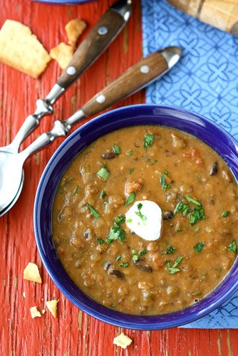 Hearty Lentil and Black Bean Soup with Smoked Paprika...The perfect comfort food that happens to be vegan. Perfect for Meatless Monday! 223 calories and 6 Weight Watcher SmartPoint #vegetarian