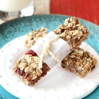 Low Fat Granola Bars with Bananas, Cranberries & Pecans Recipe