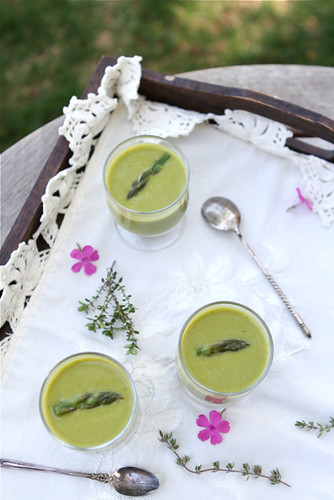 Creamy Asparagus, Lemon & Thyme Soup Recipe (Dairy-Free)
