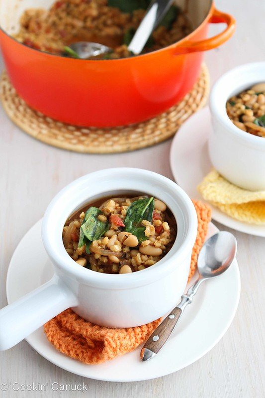 Barley Stew with Caramelized Onions, White Beans and Spinach ...Healthy comfort food! 261 calories and 7 Weight Watchers SmartPoints #vegan #vegetarian