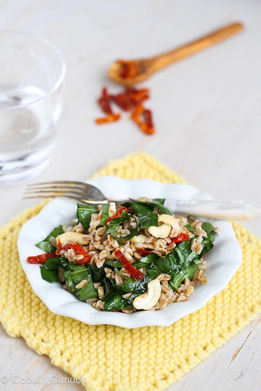 Farro Salad Recipe with Sun-Dried Tomatoes, Spinach & Cashews #salad #vegetarian #recipe