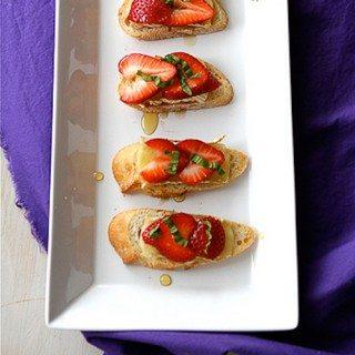 Strawberry, Brie Cheese, Honey & Basil Crostini Recipe