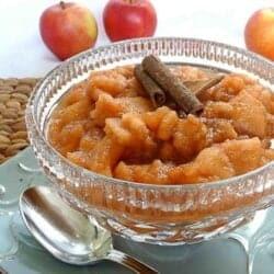 The Family Crockpot Applesauce Recipe | cookincanuck.com