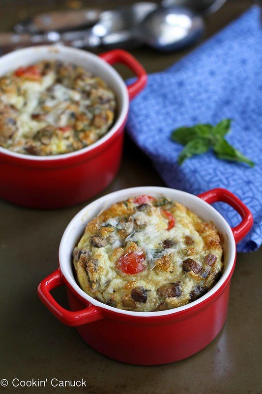 These make-ahead baked eggs are perfect for breakfast on school mornings or for entertaining. They're packed with turkey sausage, mushrooms and tomatoes. 179 calories and 3 Weight Watchers Freestyle SP #breakfast #eggrecipe