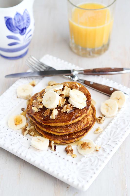 Whole Wheat Oat Gingerbread Pumpkin Pancake Recipe | cookincanuck.com