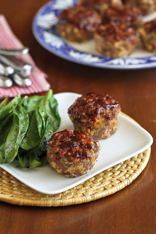 Mini Muffin Tin Meatloaf Recipe with Barbecue Sauce & Corn | cookincanuck.com #dinner