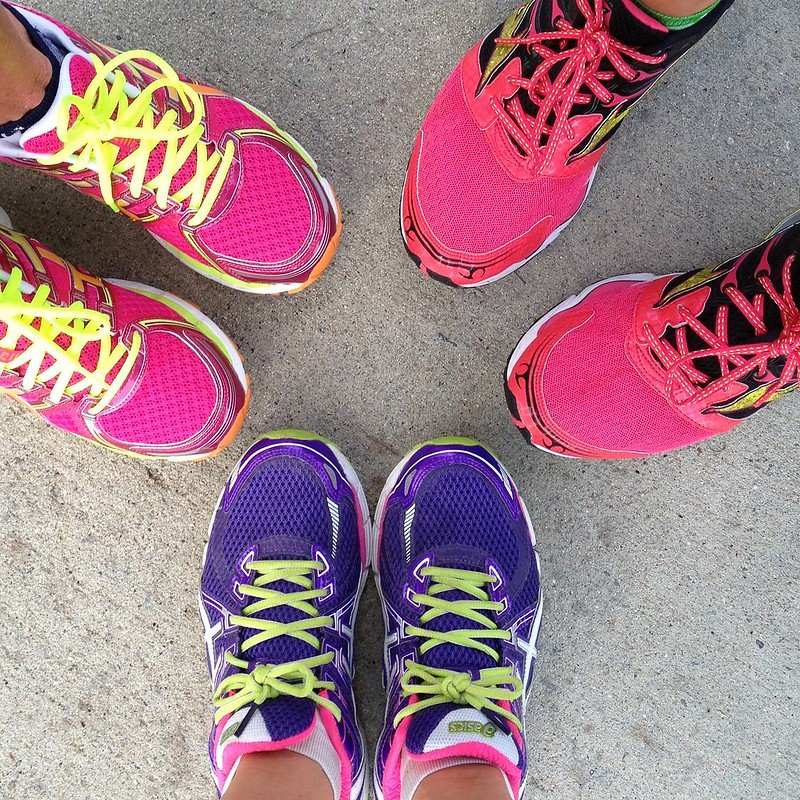 Run Like a Girl: The Benefits of Running with Others | cookincanuck.com #running #runwithdara #exercise #fitness