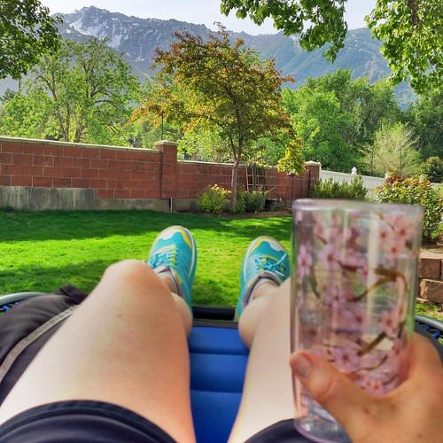 Backyard relaxing | cookincanuck.com