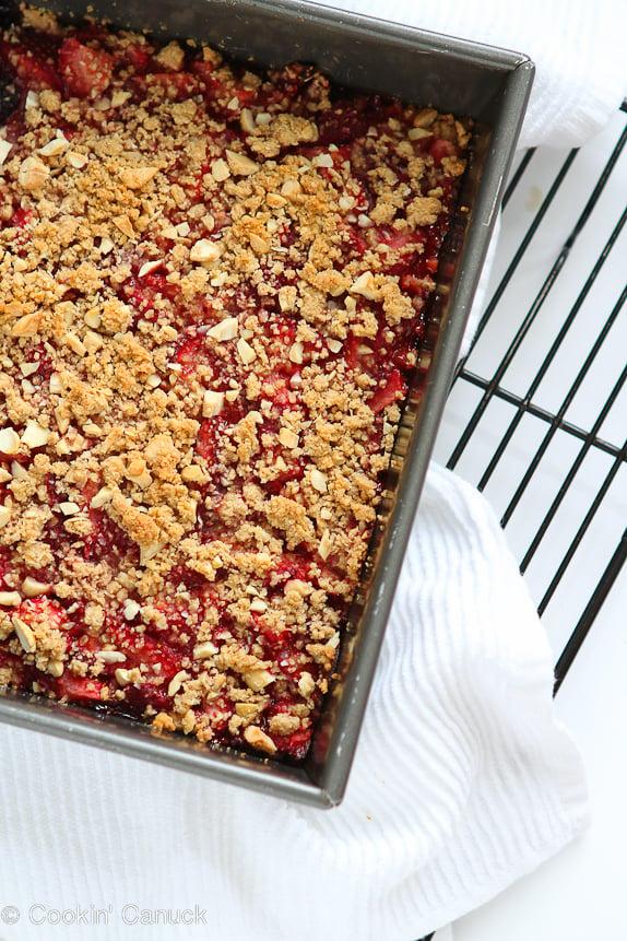 Whole Wheat Strawberry Oat Bars Recipe | cookincanuck.com #dessert