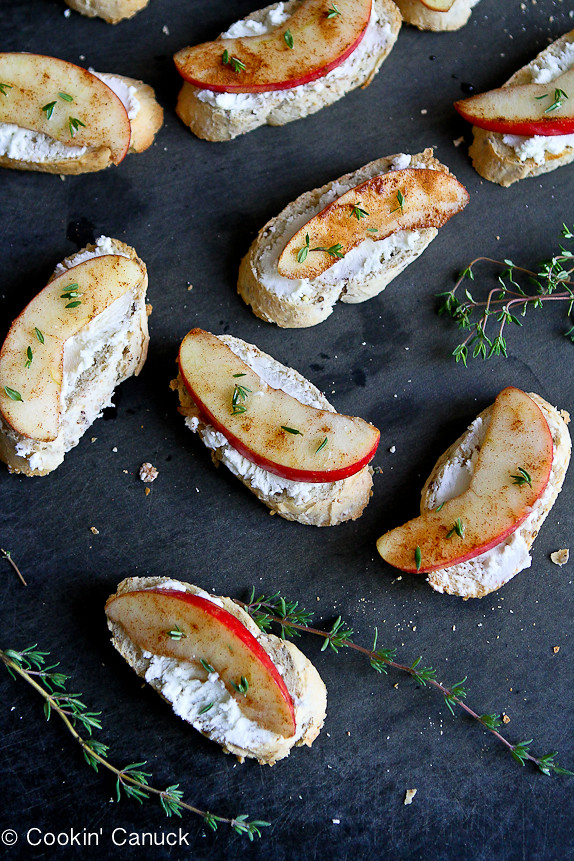 Cinnamon Apple and Goat Cheese Crostini...Sometimes the simplest recipes are the best! Only 44 calories and 1 Weight Watchers Freestyle SP.