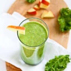 Kale & Apple Green Smoothie Recipe {Vegan}