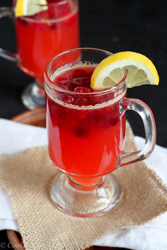 Hot Cranberry and Whiskey Lemonade...This cocktail will warm you from the inside out! | cookincanuck.com