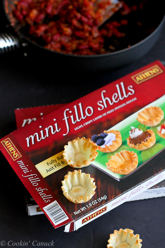 Mini Chili Filled Phyllo Cups...Healthy appetizers for game day! 53 calories and 1 Weight Watchers PP | cookincanuck.com #recipe