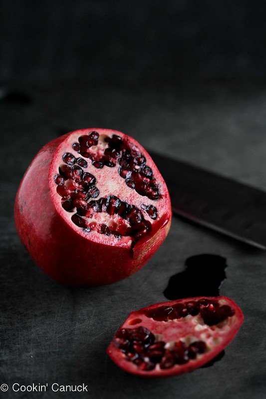How to: Seed a Pomegranate by Cookin' Canuck #howto #pomegranate