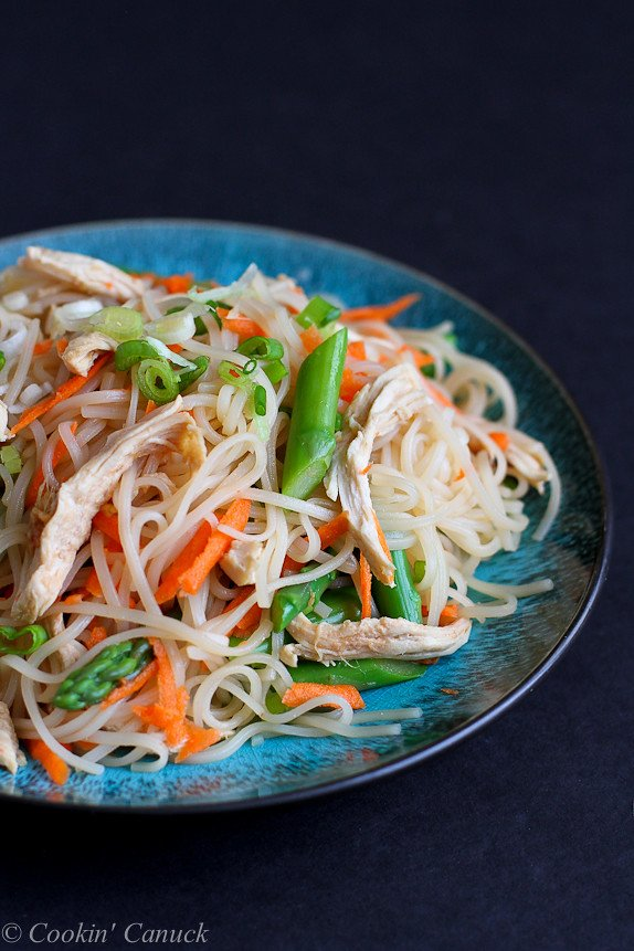 Rice Noodles with Chicken, Asparagus and Soy Ginger Sauce Recipe...Quick to make, with a fantastic soy ginger flavor. 172 calories and 4 Weight Watcher PP | cookincanuck.com #healthy