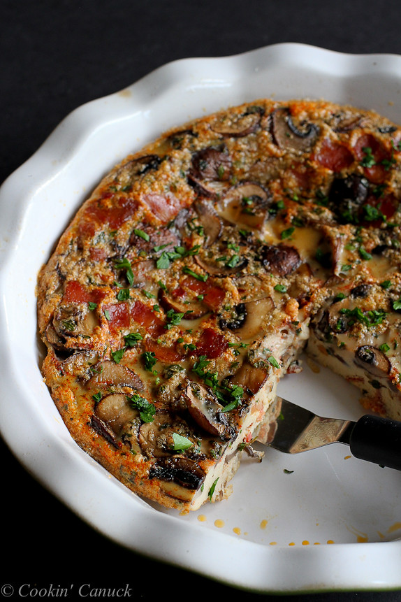 Pancetta and Mushroom Crustless Quiche...And easy and healthy brunch recipe! 111 calories and 3 Weight Watchers PP | cookincanuck.com
