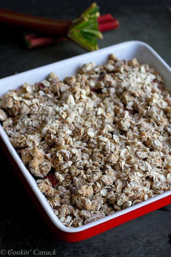 Rhubarb & Apple Crisp Recipe {Low Sugar}...A fantastic spring-time recipe! 181 calories and 5 Weight Watchers PP | cookincanuck.com