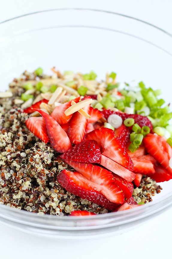 StrawbeStrawberry and Quinoa Salad with Toasted Almonds…A fresh summer side dish! 149 calories and 4 Weight Watchers PP | cookincanuck.com #vegan #glutenfree