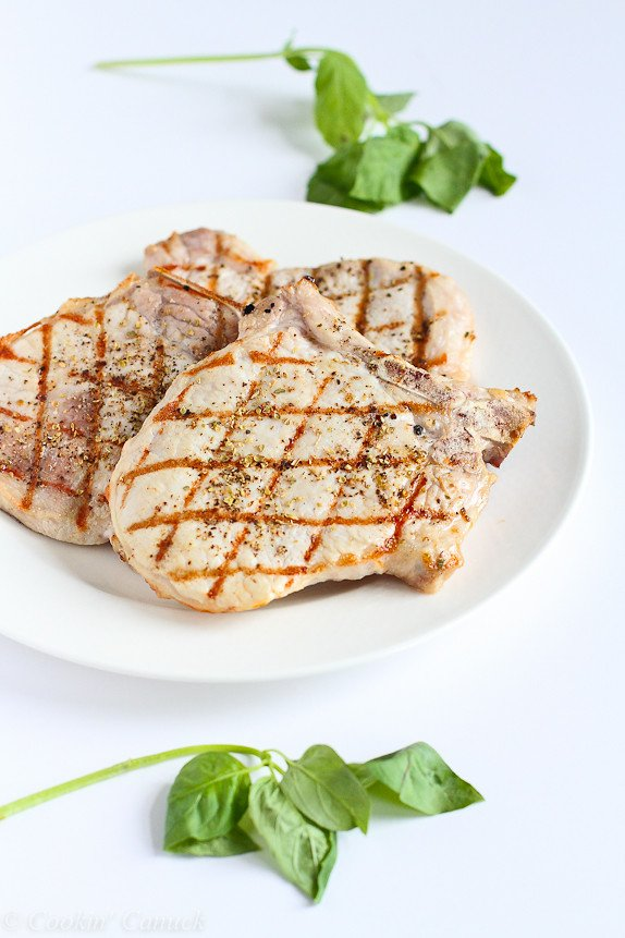 Grilled Pork Chops with Greek Salad Salsa...186 calories and 5 Weight Watchers PP | cookincanuck.com #recipe #healthy