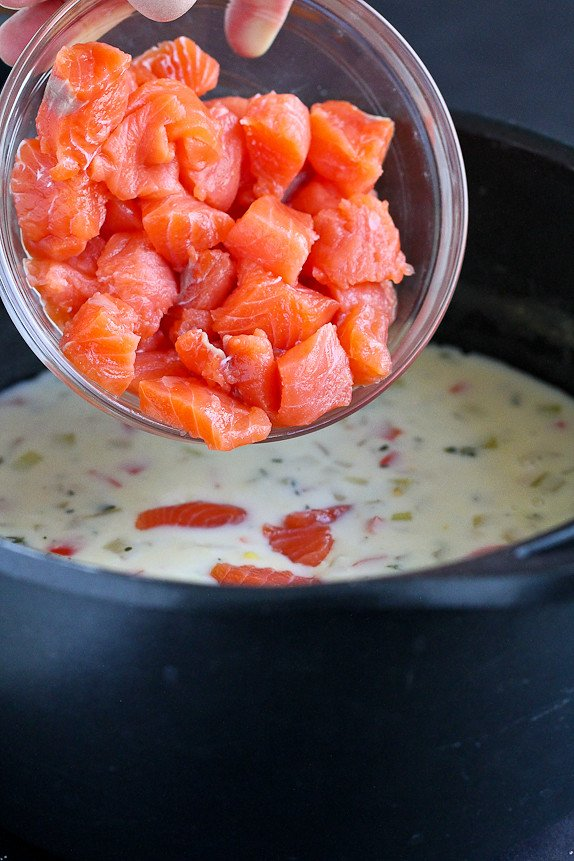 Light Salmon and Potato Chowder... A hearty soup that doesn't blow the calorie bank! 322 calories and 4 Weight Watchers Freestyle SPs