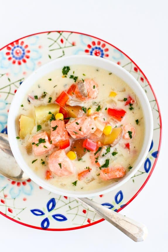 Light Salmon and Potato Chowder... A hearty soup that doesn't blow the calorie bank! 322 calories and 4 Weight Watchers Freestyle SP