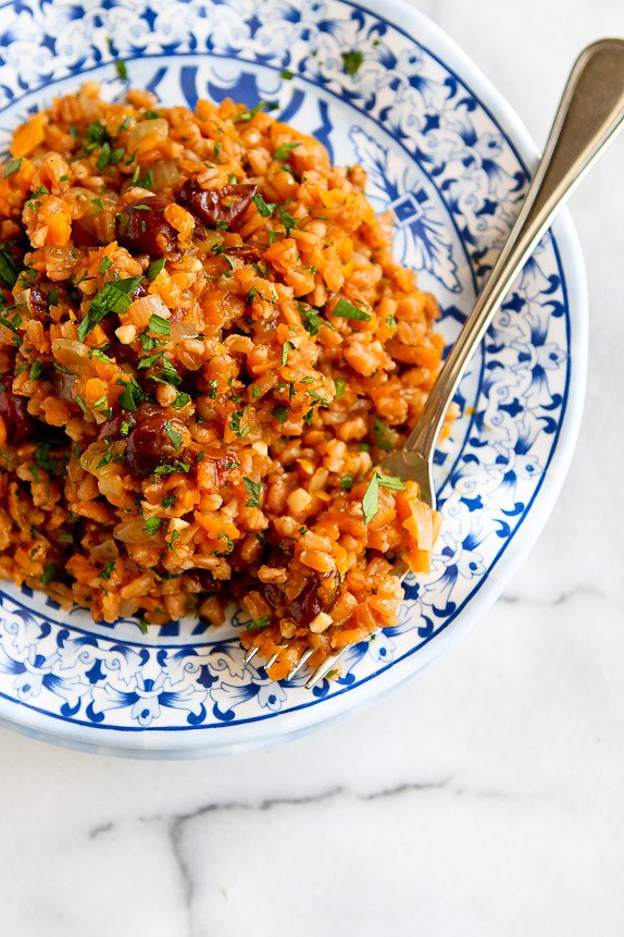 One-Pot Farro, Butternut Squash, & Dried Cherries... This is the fall side dish to beat all others! 156 calories and 4 Weight Watchers PP   cookincanuck.com #recipe #vegan