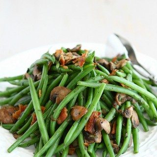 Fresh Green Beans with Bacon, Mushrooms & Herbs Recipe