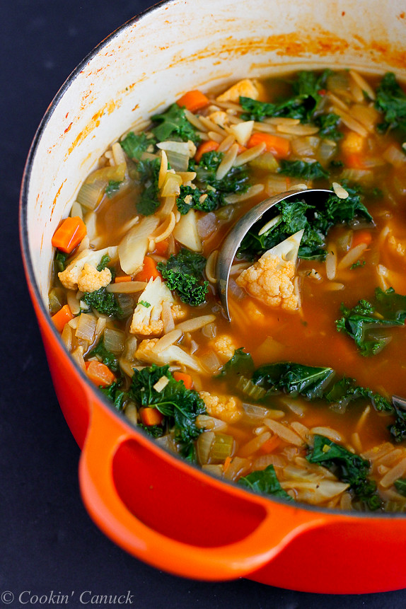 Whole Wheat Orzo, Cauliflower and Kale Soup {Vegan}...A fantastic, hearty soup that's packed with vegetables! 205 calories and 5 Weight Watchers PP | cookincanuck.com #vegetarian