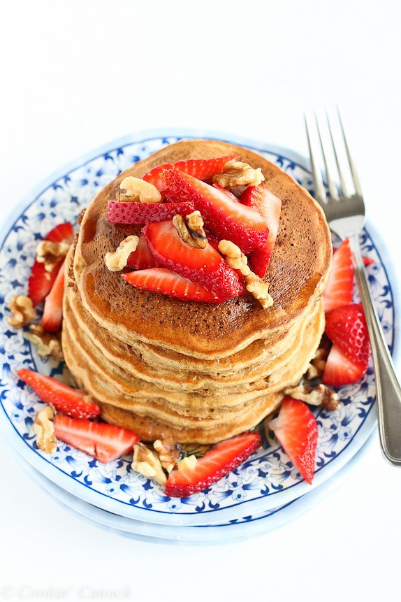 Whole Wheat Banana Flax Pancakes...Breakfast, lunch or dinner! 152 calories and 4 Weight Watchers PP | cookincanuck.com #recipe #healthy