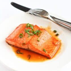 Sherry Glazed Salmon…This easy salmon recipe is easy enough for a weekday meal, but impressive enough for entertaining! 201 calories and 4 Weight Watchers SmartPoints