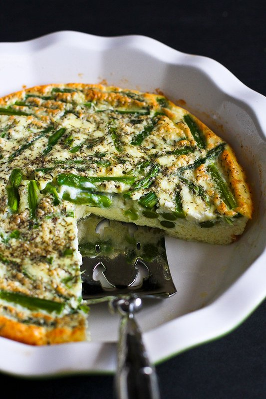 Asparagus and Feta Cheese Crustless Quiche…An easy and healthy vegetarian quiche for springtime! 108 calories and 1 Weight Watchers Freestyle SP