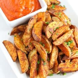 Southwestern Potato Wedges with Red Pepper Jalapeno Dip…An easy, healthy appetizer that will disappear in minutes! 102 calories and 3 Weight Watcher SmartPoints