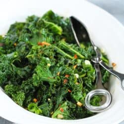 Spicy Sauteed Kale + 5 Other Healthy Kale Recipes…This is the kind of side dish that will steal the show! 112 calories and 2 Weight Watcher SmartPoints!