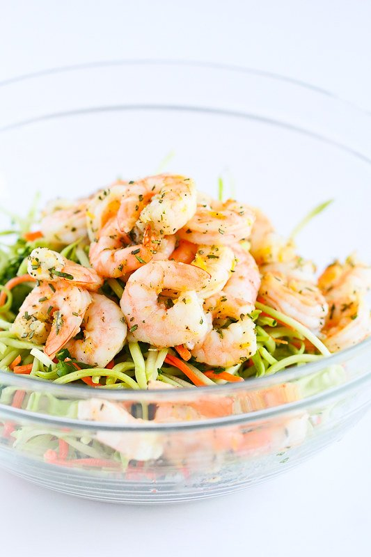 Lemon Rosemary Shrimp and Broccoli Slaw…This is so good that you won't be able to stop eating it! And it only takes 15 minutes to make. 264 calories and 4 Weight Watchers Freestyle SP