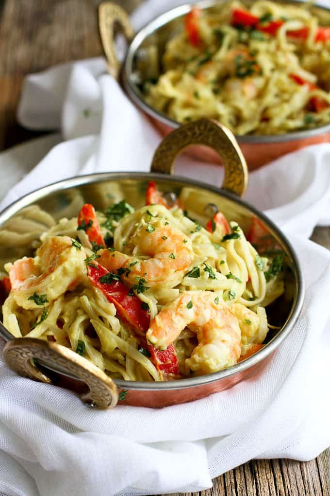 Avocado Curry Rice Noodles with Shrimp…Creamy, a little spicy and so tasty! 247 calories and 7 Weight Watchers SmartPoints | cookincanuck.com