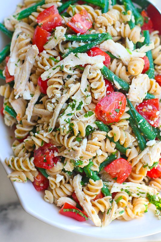 Chicken Pasta Salad with Green Beans, Tomatoes and Feta Cheese…This healthy side pasta salad with disappear in minutes at your next barbecue! 163 calories and 4 Weight Watchers Freestyle SP