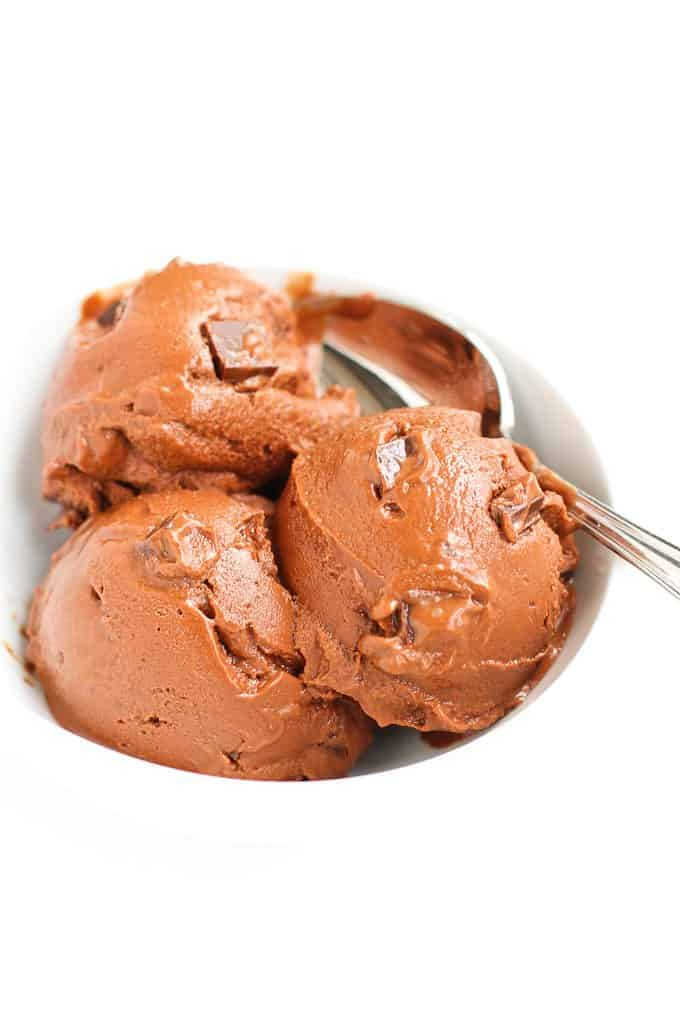 Chocolate Chunk Avocado Ice Cream…Your family will never guess that avocado is what makes this ice cream so creamy! Healthy fats and natural sweeteners. 202 calories and 9 Weight Watchers SmartPoints