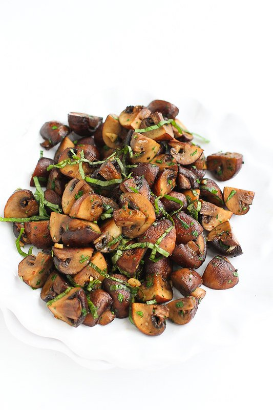 Lemon Basil Roasted Mushroom…Because it just doesn't get any better than golden brown, tender mushrooms! 89 calories and 2 Weight Watchers Freestyle SP