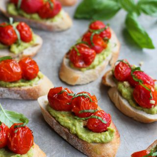 As if roasted tomato crostini aren't good enough on their own. Add some smashed avocado and basil for your new favorite summertime appetizer. 52 calories and 2 Weight Watchers Freestyle SP