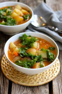 Vegan Potato Soup with Beans and Kale…You probably have everything in your fridge and pantry to make this delicious, healthy soup recipe! Great for busy nights. 211 calories and 4 Weight Watchers Freestyle SP #vegan #soup #CreamerPotatoes