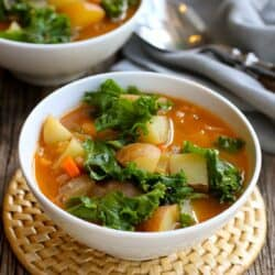 Vegan Potato Soup with Beans & Kale…You probably have everything in your fridge and pantry to make this delicious, healthy soup recipe!  Great for busy nights.  211 calories and 5 Weight Watchers SmartPoints