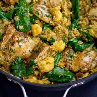 One-Pot Curry Chicken, Quinoa and Cauliflower…Flavor is the name of the game in this healthy one-pot meal that's packed with veggies and goodness! 308 calories and 8 Weight Watchers SmartPoints