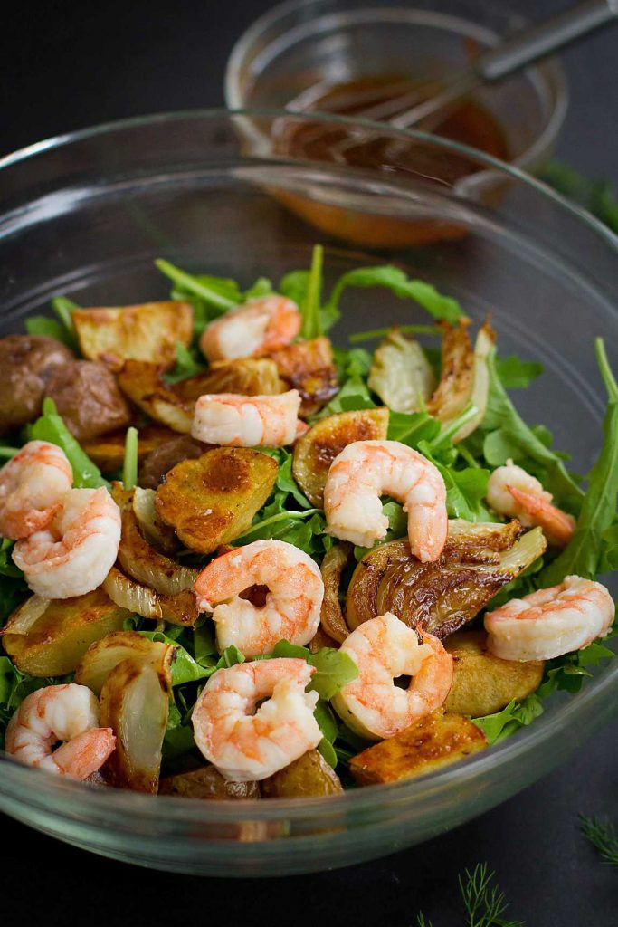This Roasted Potato Salad with Shrimp and Fennel is packed with fiber and protein. The smoked paprika dressing takes the flavors to the next level! 353 calories and 8 Weight Watchers SmartPoints