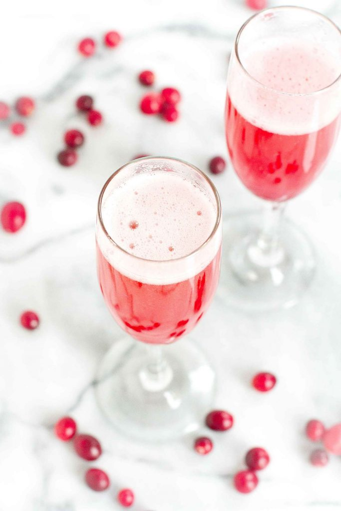 Cranberry prosecco cocktail recipe cookin canuck for Cocktail 3g