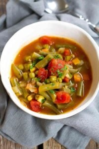 When you need an easy, light lunch, this Instant Pot Vegetable Soup works perfectly! Stovetop instructions also included. 102 calories and 0 Weight Watchers Freestyle SP #instantpot #pressurecooker #weightwatchersrecipes